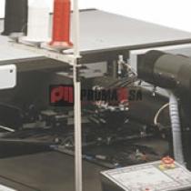 Máquina de pespuntar programada computarizada.